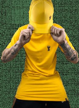 KIT BASICO CAMISETA E BONÉ amarelo