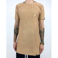 Camiseta longline suede broche gold
